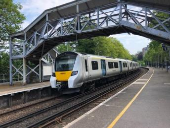 Thameslink at Maze Hill